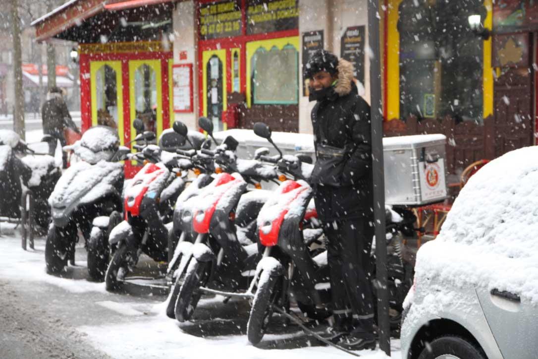 Restaurant indien livraison en scooters